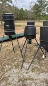 5 Moultrie Feeders