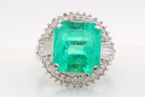 5.65ct Emerald, 0.80ctw Diamond & Platinum Ring