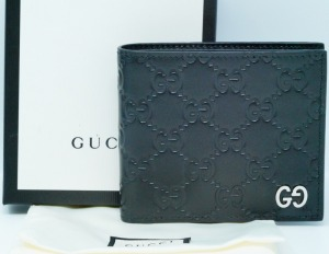 Gucci Men's Black Signature Coin Wallet W/Box