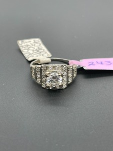 Vintage 1.5 ctw with 1 carat solitaire