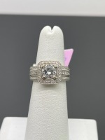 Square Halo Round Center Diamond Ring - 7