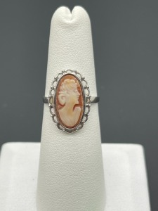 Cameo 10k Ring